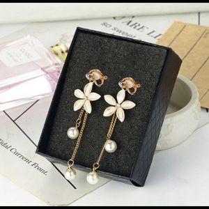 NEW Acrylic Zircon pearl Tassel Clip on Earrings